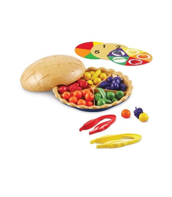 Koláč s ovocím na triedenie a počítanie