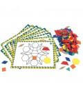 Farebné geometrické tvary so šablónami